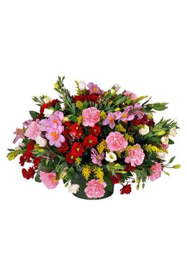 Centro de flores naturales variado tonos rosas